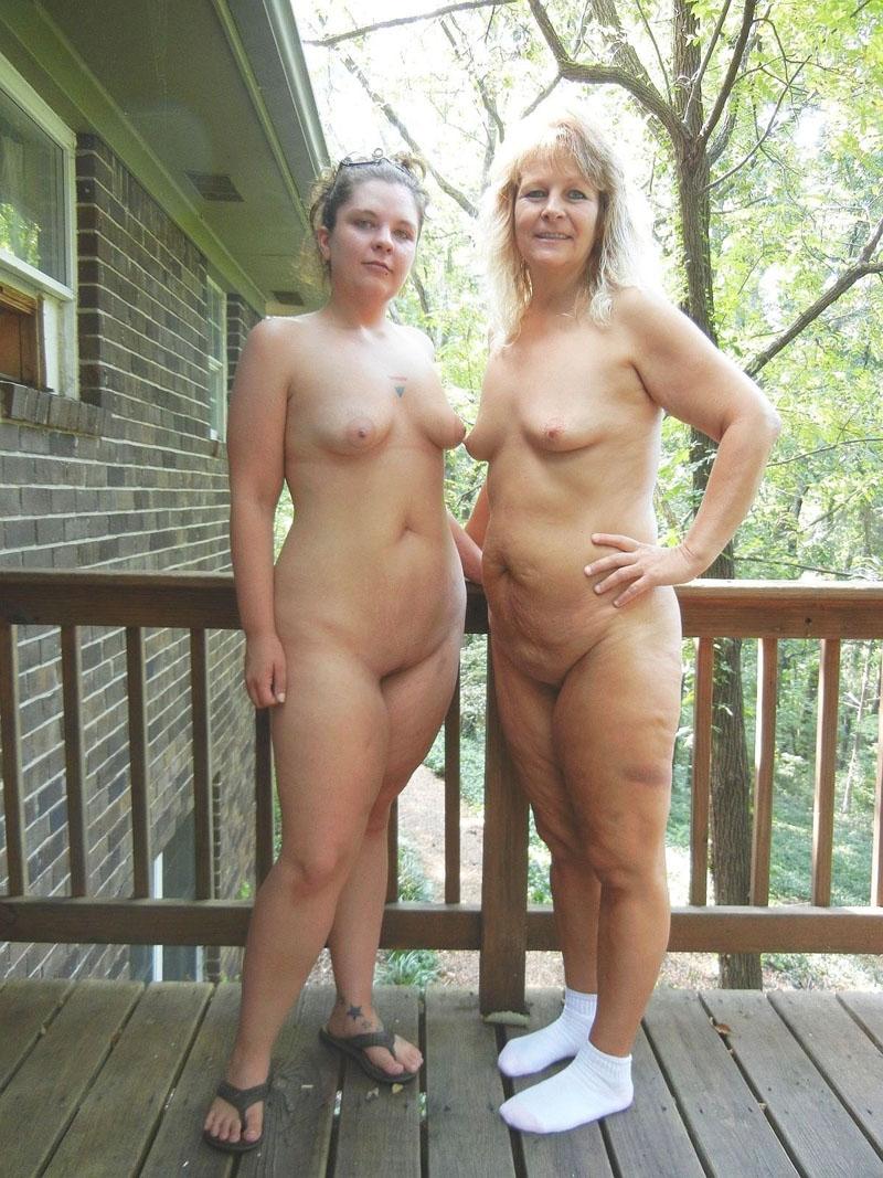 Мама И Дочь Обнаженные Фото