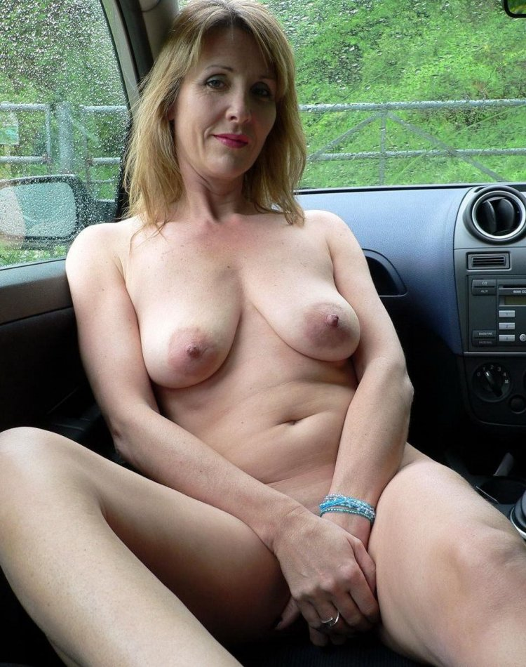 everyday-moms-naked-pictures-malinda-sex-scene