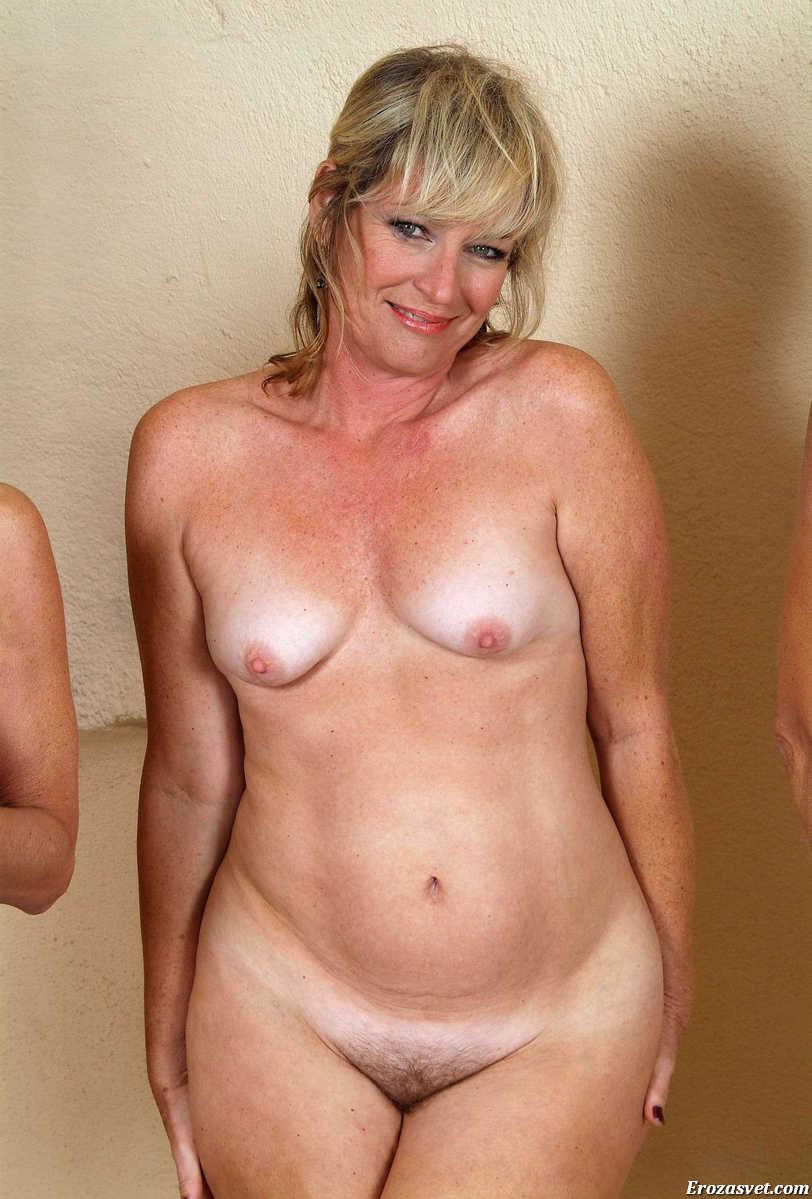 Смотреть фото ню женщин в среднем возрасте, дома фото голой