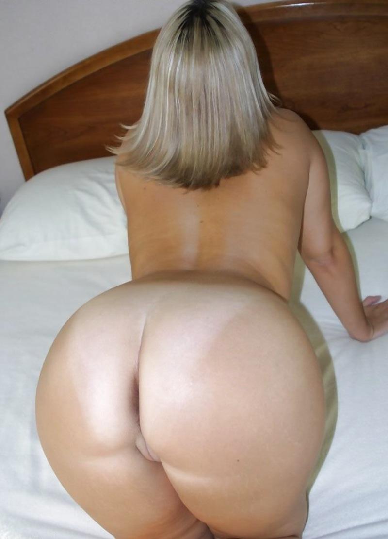 Мамок голые жопы зрелых дамочек