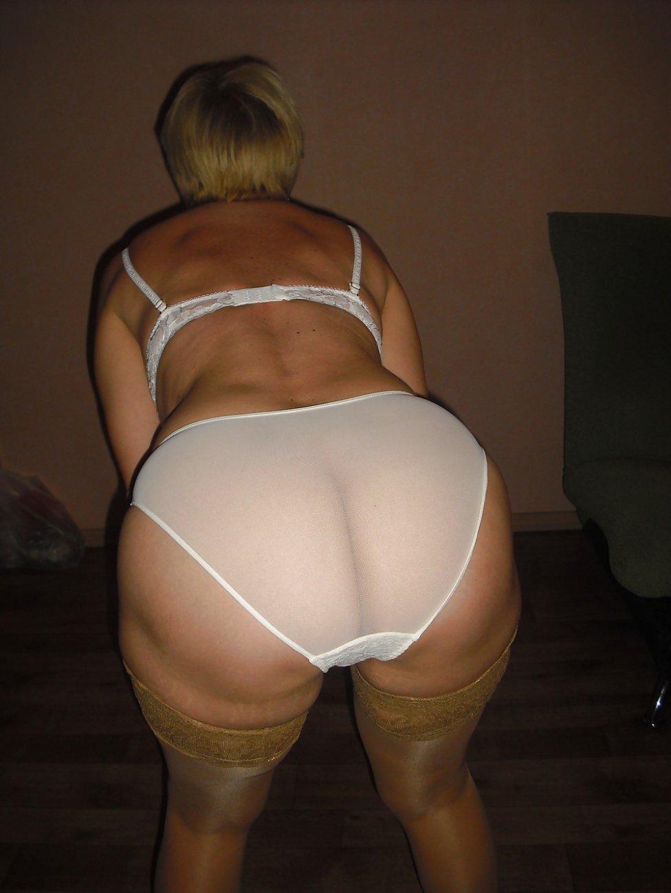 Фотогалерея задниц зрелых дам
