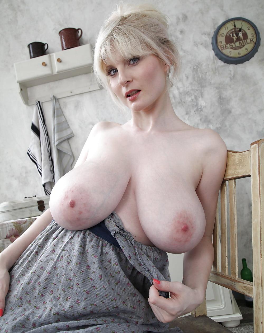 большая натуральная грудь зрелой женщины - 2