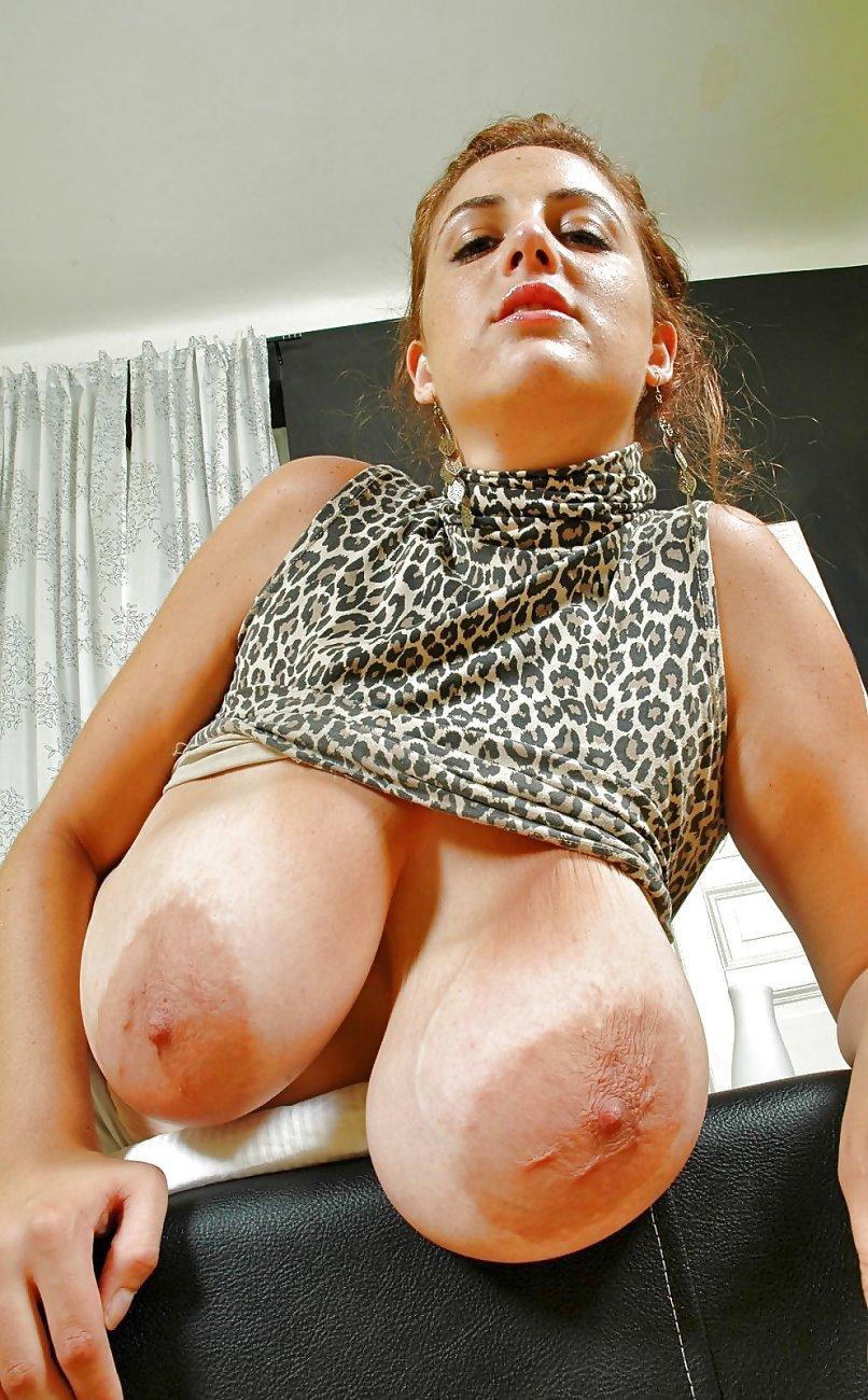 порно фото видео женщин с огромными ореолами сосков - 7