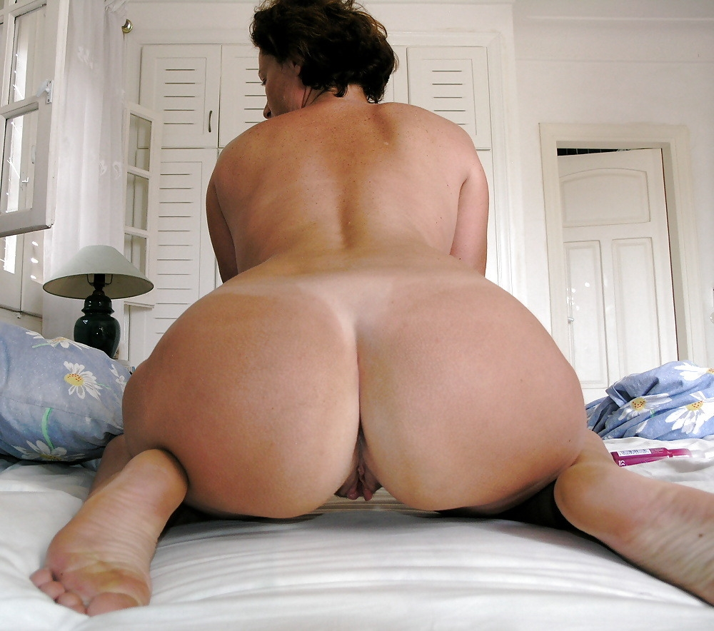 Free mature booty video — photo 4
