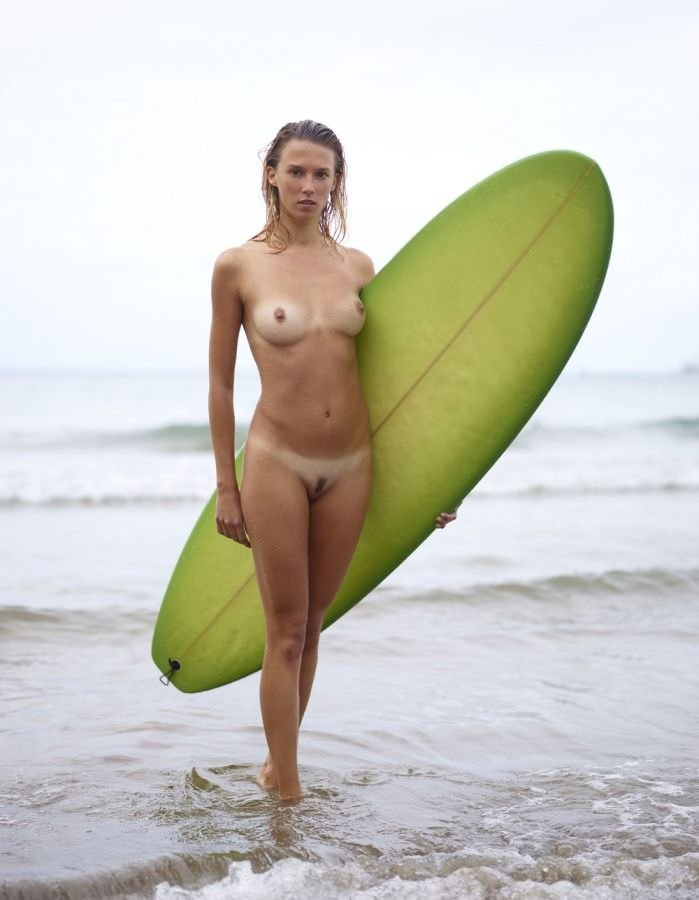 surf-competition-nude-the-girls-with-vergin-nude