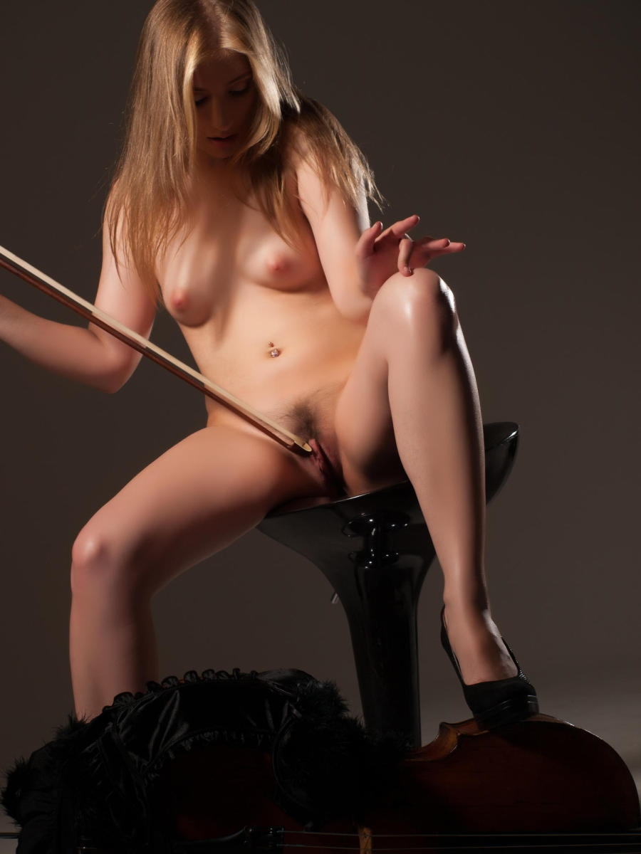 Nude woman playing violin, mai nishida porno