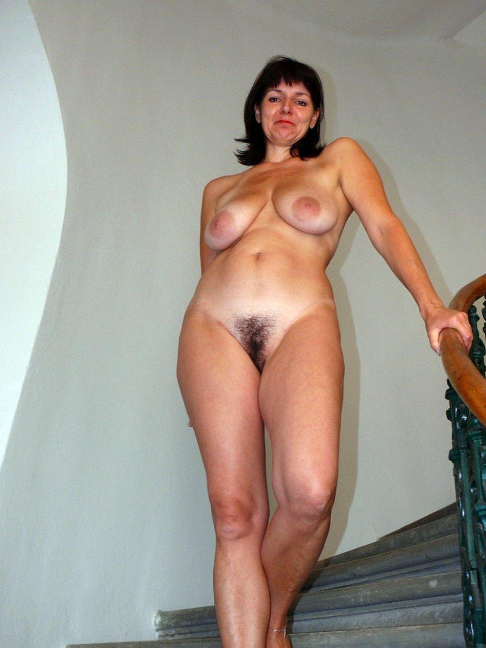 vse-foto-golih-zrelih-dam-seks-v-avtomobile-forum