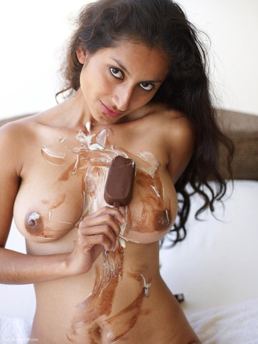Tranny nude girl eating
