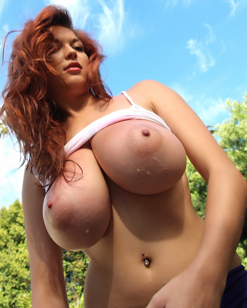 Big boobs sloshing — pic 12