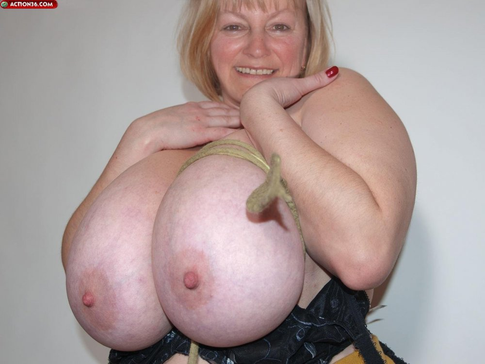 Mature huge natural monster tits #4