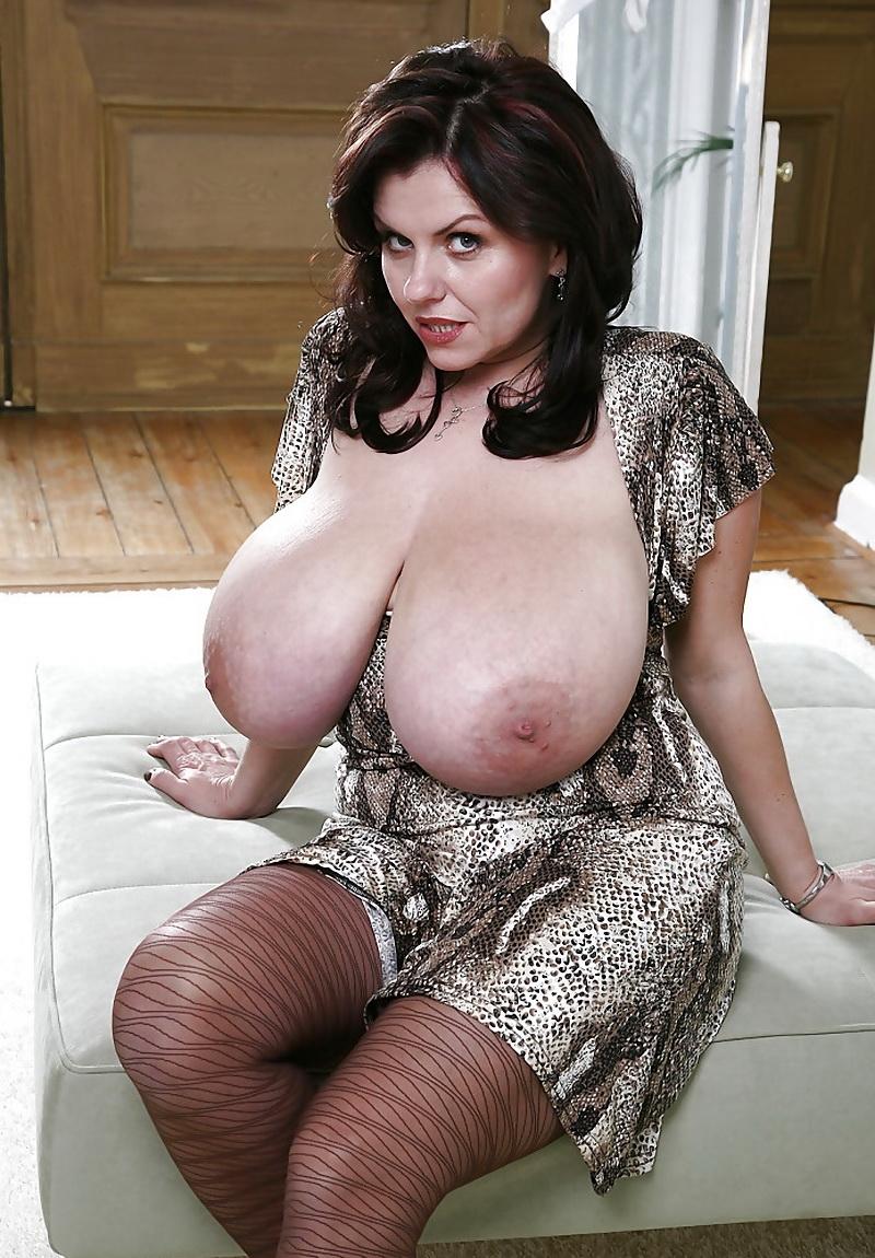 Зрелые женщины сиськи фото фото голых домохозяек