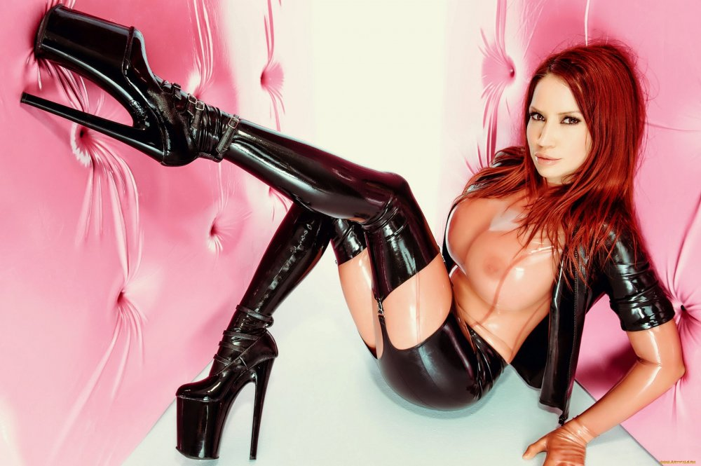 Perfect Latex Fetish Girls 1