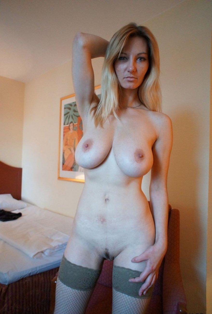 порно фотографии огромных сисек у худых девушек этого