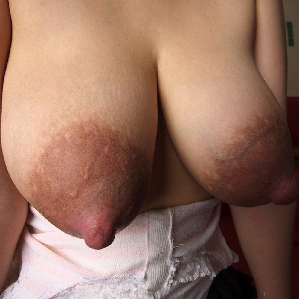 Огромные ореолы сосков женских сисек, жена стала рабом