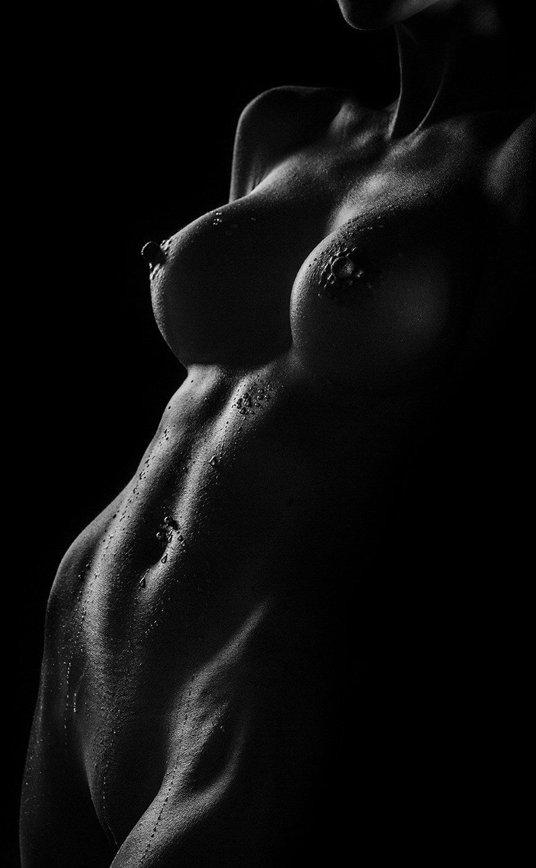 Фотки красивых женских обнаженных тел, эротические фильмы с участием яны ковы