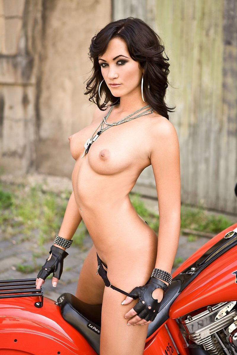 Hot porn star on motorcycle — photo 10