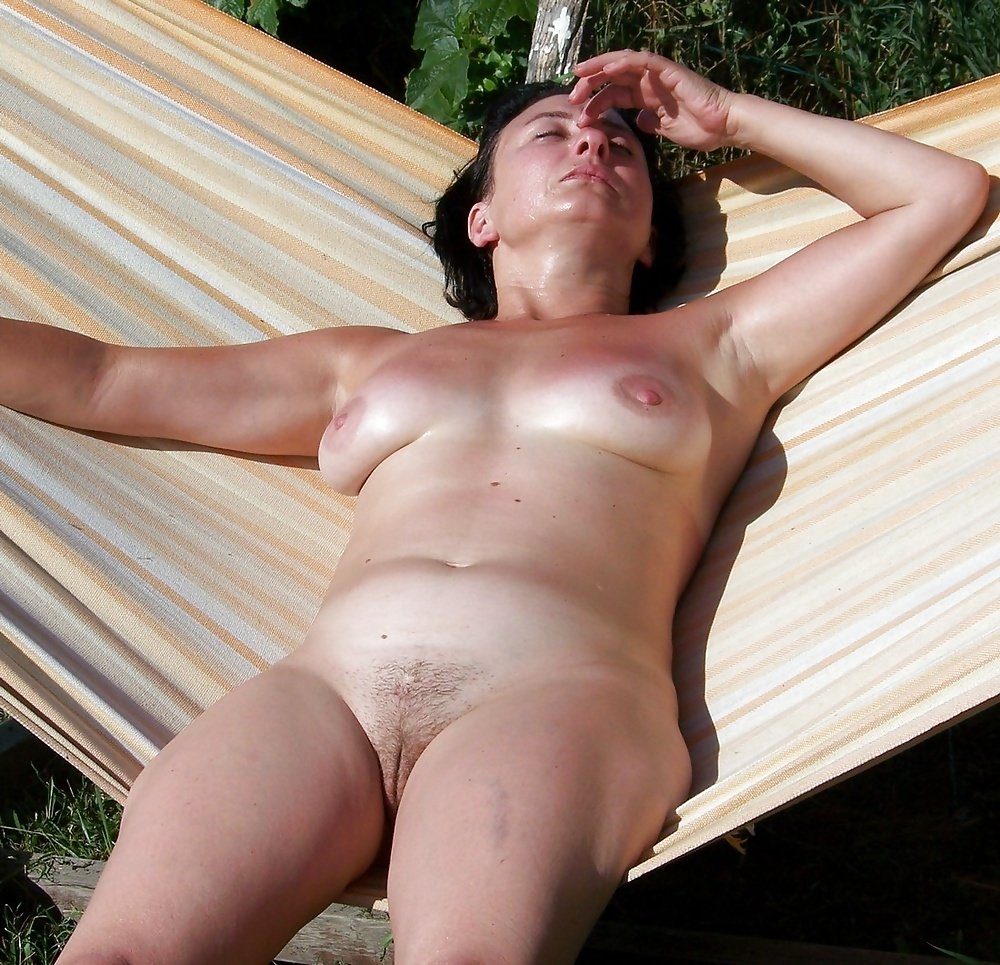 Naked sun tanning mom