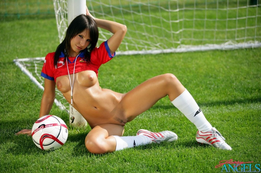 Naked girl playing sport, naked married amateur average