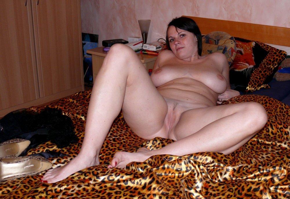 Русская сельская очень пышная девушка любительское порно видео, трахнул спящую в ее аппетитную попку смотреть онлайн