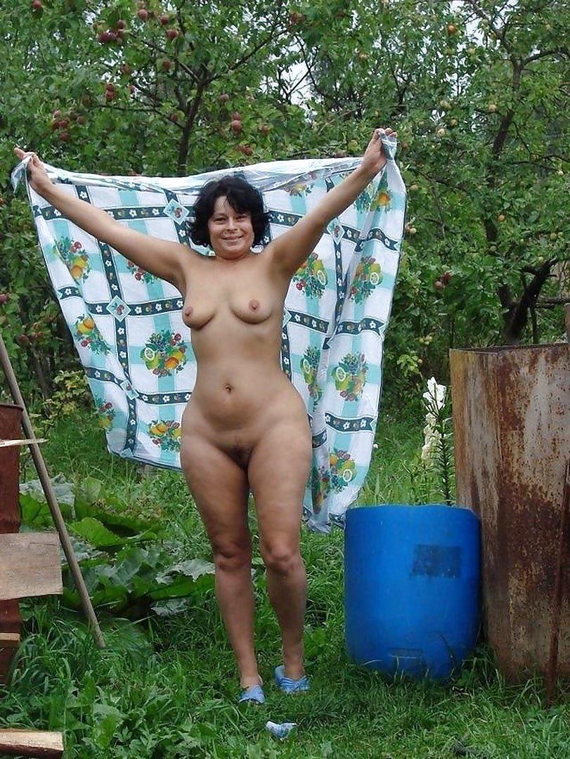 Голые зрелые женщины с села фото