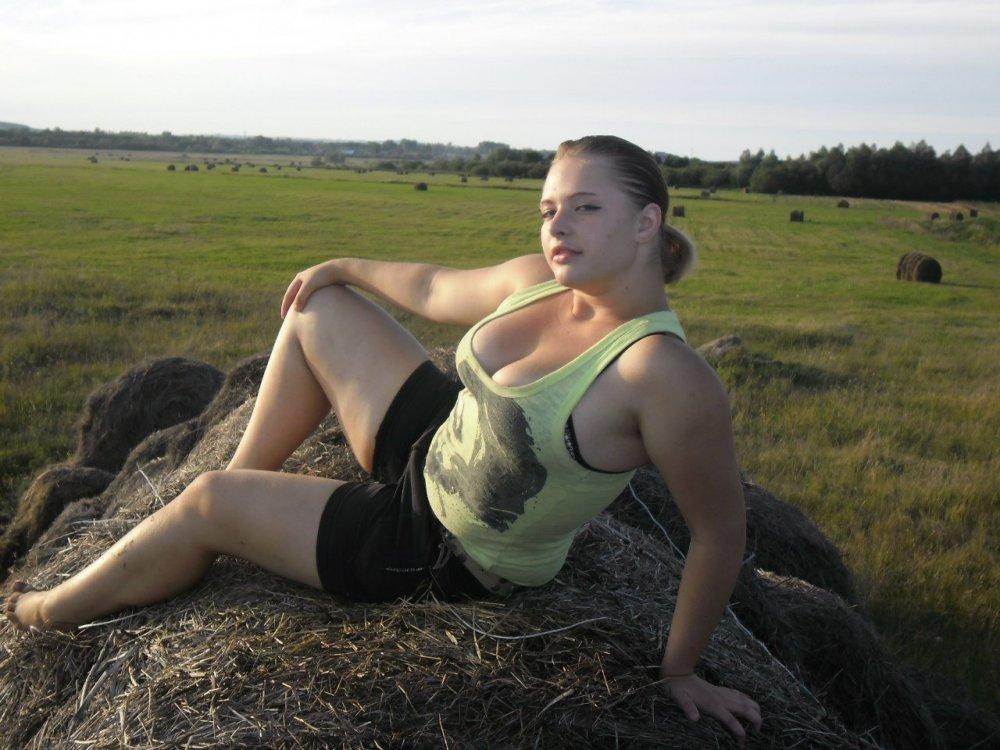 foto-derevenskih-devushek-seks-chastnoe-seks-molodih-parney-so-zrelimi-zamuzhnimi-damami